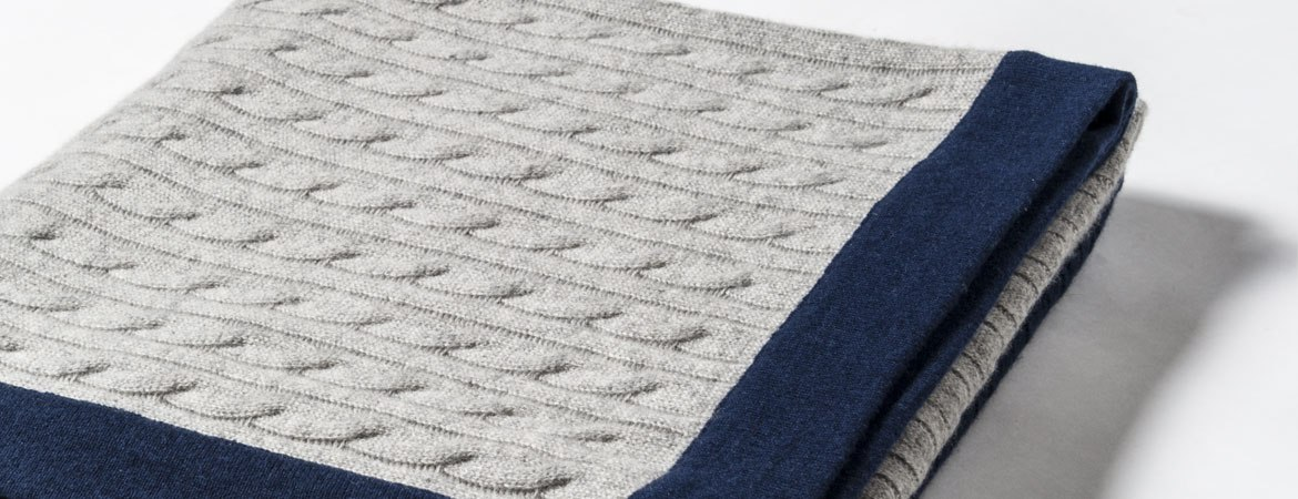 "cable throw blanket details""  />